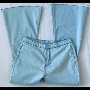 Bell Bottom Boho Jeans Size 27 Super Stretch